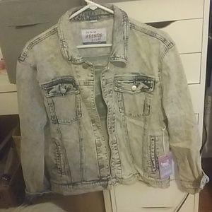 Jackets & Blazers - Woman's jean jacket